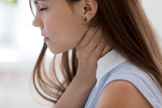 Durere in gat – cauze, factori de risc si tratament la domiciliu